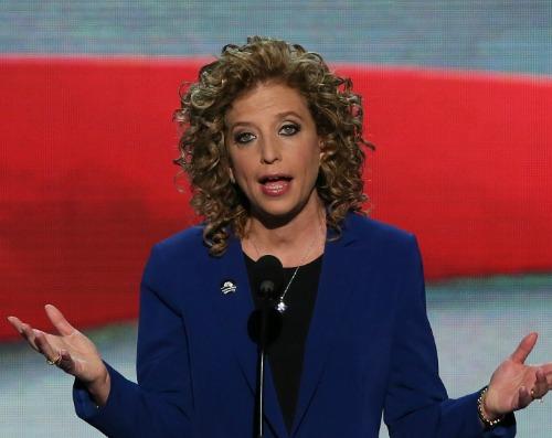 Organized loose curls on Debbie Wasserman Schultz's hair Uncurly.com