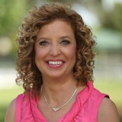Debbie Wasserman Schultz's hair soft curls Uncurly.com